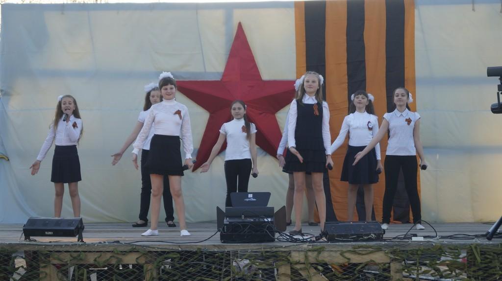 Народное гулянье «Песни Весны и Победы»