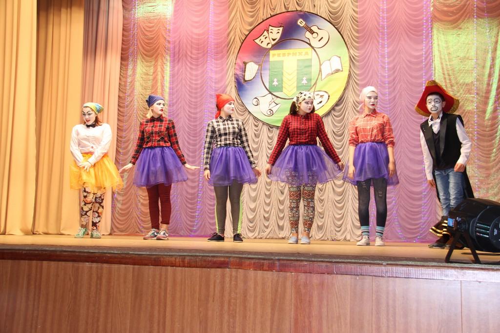 Концертная программа «Свою Родину любим и чтим» покорила жителей Ребрихи.