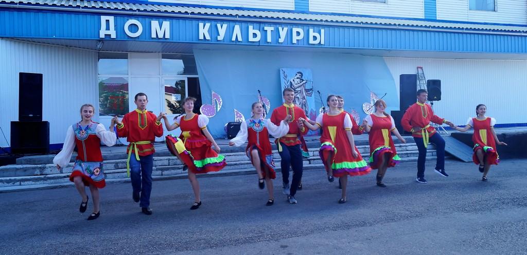 Молодёжь России ждёт всегда успех!