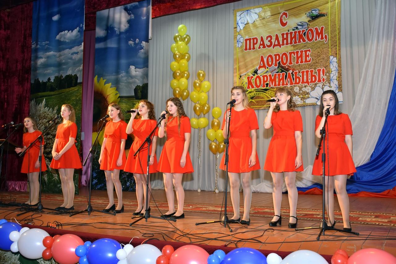 Творческие коллективы Топчихинского района побывали в с.Дружба Алейского района