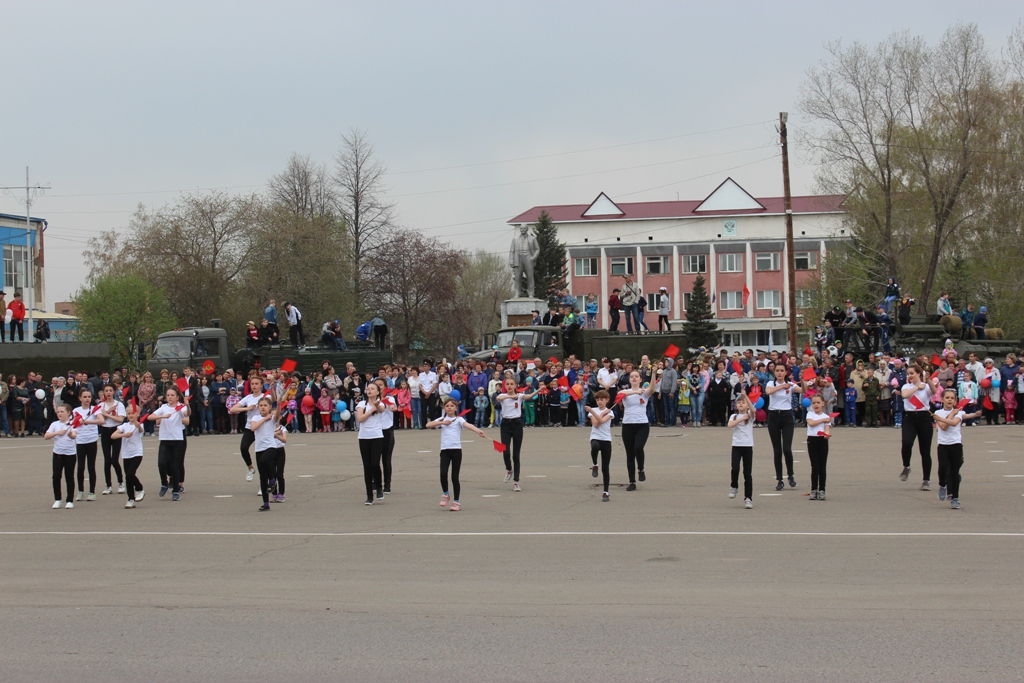 """""""Слава мир отстоявшим!"""" - 9 мая на центральной площади с.Топчиха состоялся театрализованный митинг"""