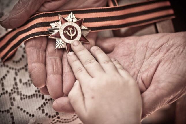 """Участие в краевом патриотическом флешмобе """"Связь поколений не прервётся"""""""